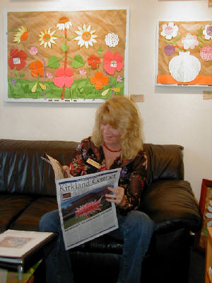 "Artist: Gallery Event Photos, Title: Sept 2005- ""Hey, that's a great article"" says Susie Webster... - click for larger image"